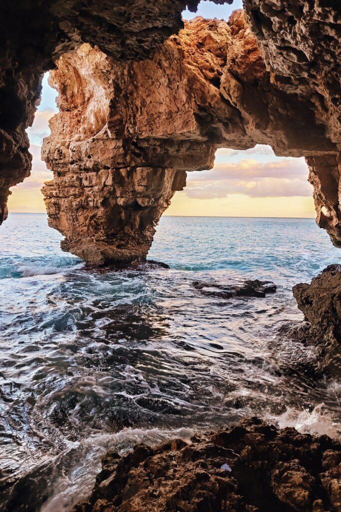 Cova del Arcs