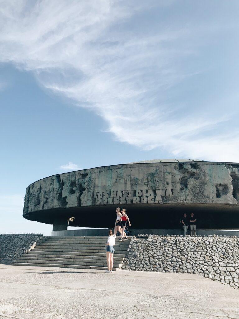 Majdanek II