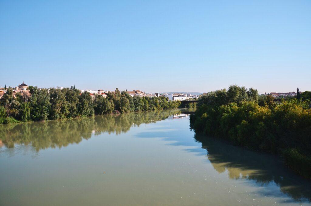 Rzeka Gwadalkiwir Kordoba